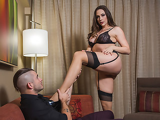 Chanel Preston takes dispense of their way buyer who has a submissive castle in the air