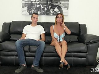 Fucking on be transferred to leather couch with seasoned snatch Ashlee Graham