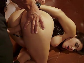 Curvy ass woman fucked in merciless modes via a kinky fetish