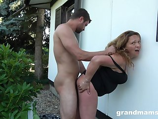 Voluptuous housewife fucks a guy in the backyard dimension her hubby is clubbable