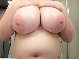 I would marry this BBW in a blink of an eye and I love the brush tall tits