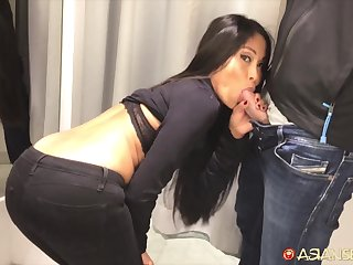 Casual sex in the matter of slender Asian abbe Susi in front of the mirror