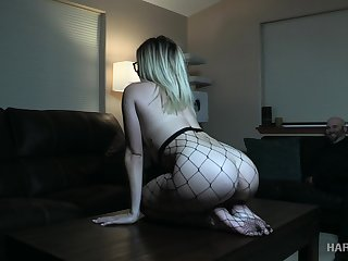 Beamy racked bitch in fishnet pantyhose Katie Kush deserves some bondage