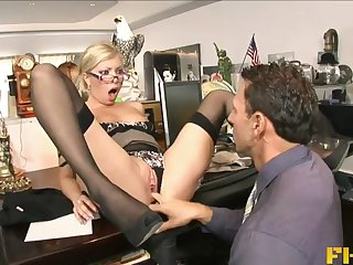 Hardcore bonking on the office directorship yon secretary Donna Bell