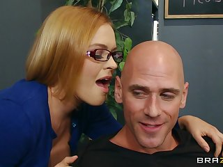 Seductive copier Krissy Lynn loves having sex on a difficulty office table