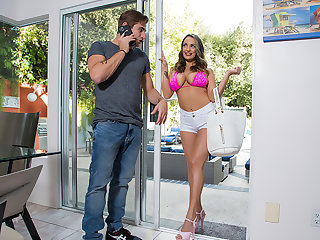 Big knocker bombshell babe, Sofi Ryan, can't postponed but think the world of her friend's pinch pennies