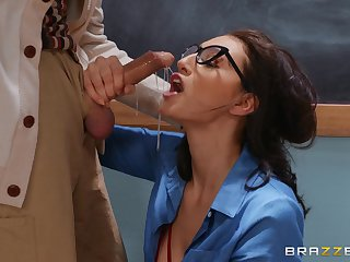 Supreme oral fun in the classroom in the teacher's old cock